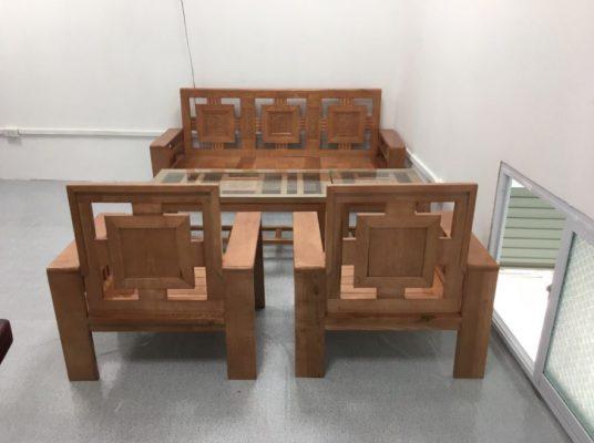 Bộ bàn ghế gỗ sồi phòng khách giá 5 triệu hiện đại.